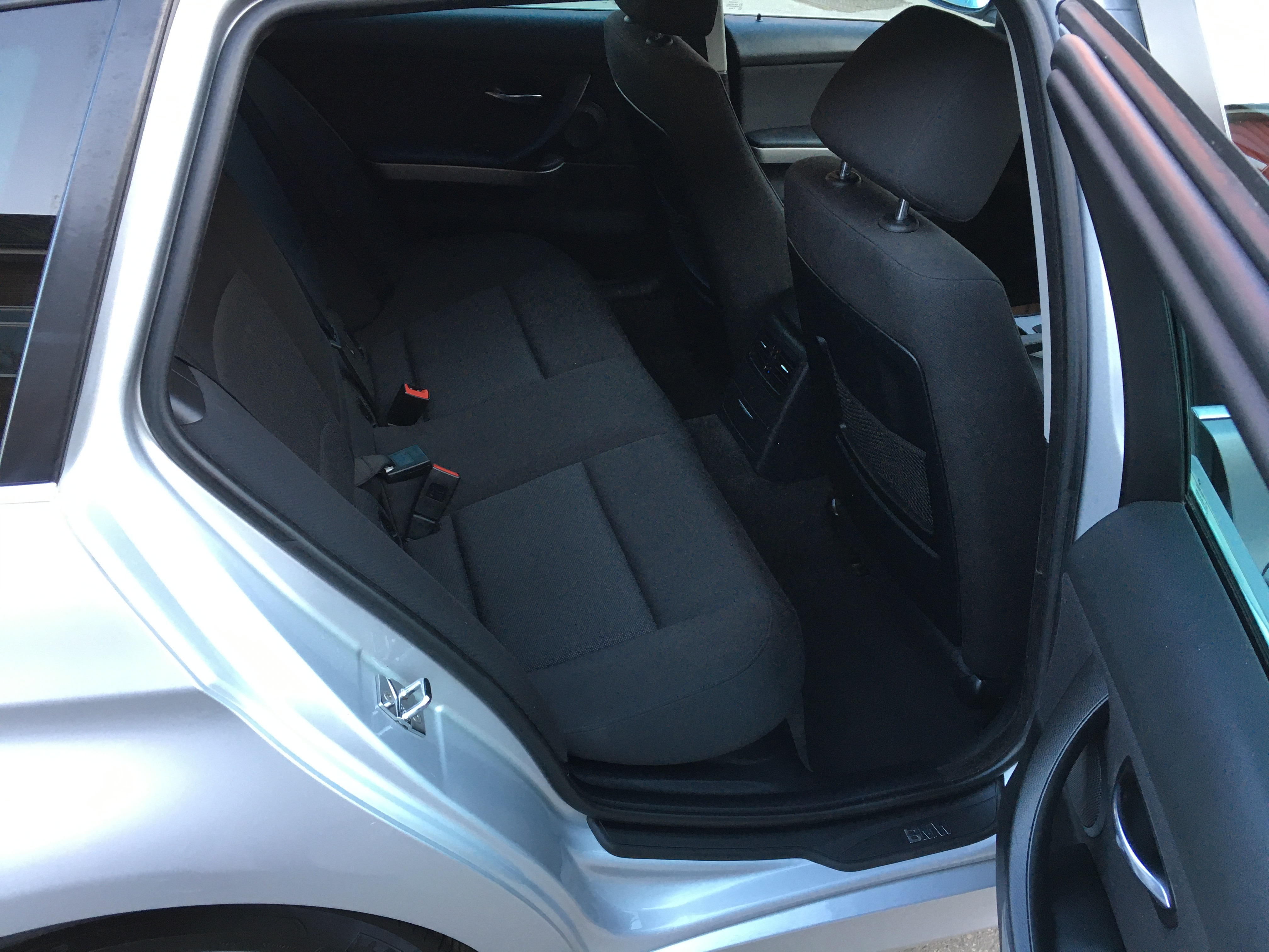 additional car image